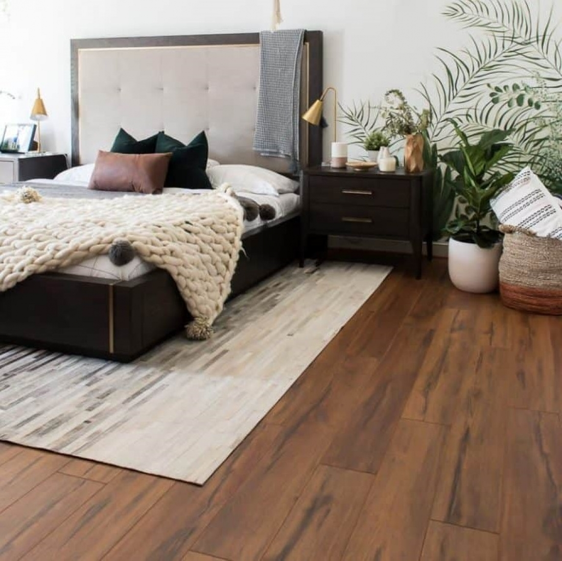 Laminate Flooring Bedroom - LAMINATE FLOORING